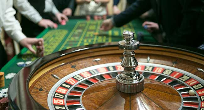 Gambling And Love Have Eight Things In Common